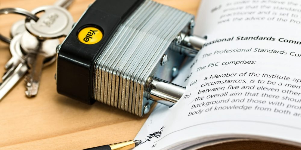 How to Accelerate Legal Contract Review and Reduce Risk