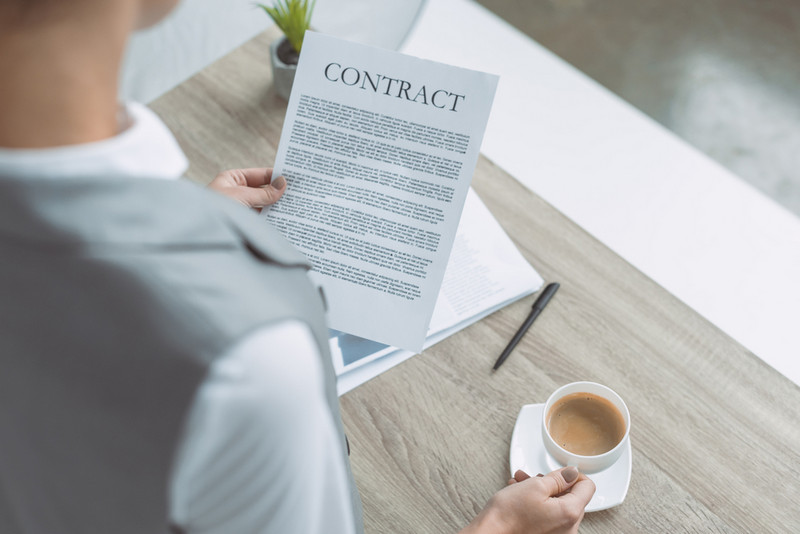 Termination trigger in commercial contract management