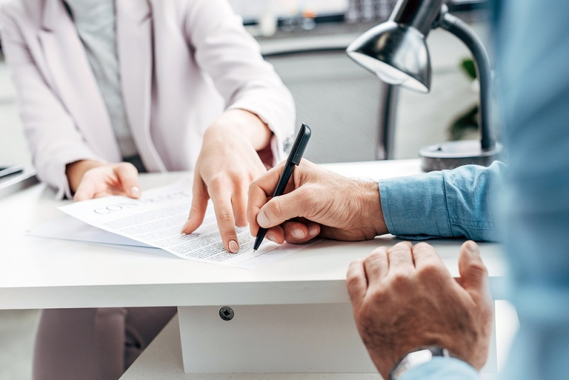 contract management and contract signing