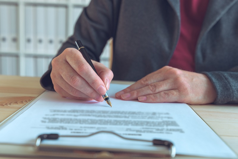 secure contract drafting in business